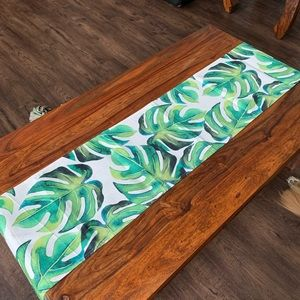 Other - Monstera leaf tropical table runner
